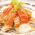 料理メニュー写真鯛とサーモンのカルパッチョ