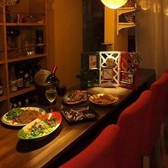落ち着いた雰囲気のなか、美味しい料理とお酒をお楽しみください。お一人様でのご来店も大歓迎!