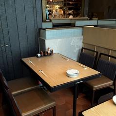 1区画ご利用頂けるテーブルのお席もございます!ボックス席となっておりますので大切な方とのお食事会にも最適です!
