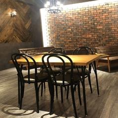 【1F/Cafe&Bar】ランチタイム~深夜までOPENなのでカフェタイムから飲み会帰りのお茶にもピッタリ♪