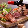 料理メニュー写真肉盛りプレート 3種(スペアリブ/牛もも/ベーコン)