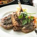 料理メニュー写真ラムのTボーンステーキ