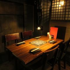 2名様~5名様まで可。カーテンで仕切れるテーブル席です。