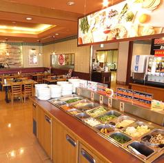 ランチ・ディナー共に毎日お店のスタッフが切っている美味しい旬の新鮮野菜が食べ放題(^O^)/美味しいお肉と一緒にお腹いっぱいお召し上がりください!!