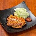 料理メニュー写真【名物】鶏もも肉丸亀焼き