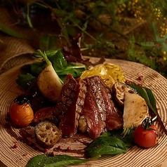 六甲牛サーロインと神戸産季節野菜のグリル