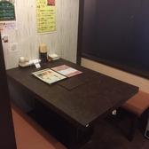 1Fのテーブル個室。隣の席とつなげて8名様までご利用できるようになっております。宴会にもおすすめです!