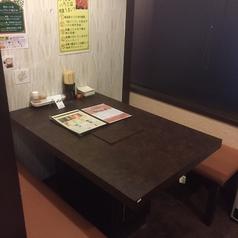 1Fのテーブル個室。隣の席とつなげて8名様までご利用できるようになっております。家族利用、宴会にもおすすめです!