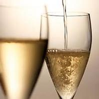 【シャンパンで乾杯】