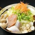 料理メニュー写真紅白魚の極み海鮮塩ベース(2人前より注文頂けます。)