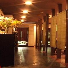 仕切りのある個室空間は、通路からも中が見えない造り。