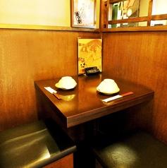 カップルにも嬉しい2名様テーブル席♪デートにおすすめです!