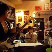 電子ピアノやPAもあります。ライブやイベントもご相談ください。県内外のミュージシャンたちが不定期ですが演奏に来ていますよ。