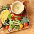 料理メニュー写真スチームオーガニック野菜のバーニャカウダ