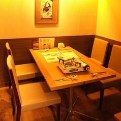 2~4名様専用テーブル席。