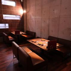 レイアウト自由な4名席や6名席のテーブル席は最大30名様までご利用いただけます。