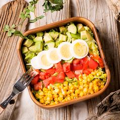 料理メニュー写真コブサラダ Cobb Salad