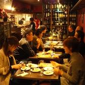 テーブル席は最大16名様まで!カップルでのデートや、女子会に◎2/4/6/8/10/12/14/16席と多彩なテーブルレイアウトが可能です。