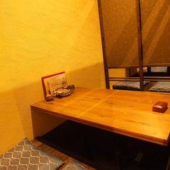 接待などにも使用可能な4名様用個室は2部屋限定。ご予約をオススメします。