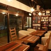 CAFE&BAR 6411 ロクヨンイチイチの雰囲気2