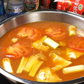 料理メニュー写真トマトとパパイヤの鍋