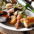 料理メニュー写真SURF&TURFブロシェット「仔羊・豚バラコンフィ・シータイガー・帆立・旬野菜」