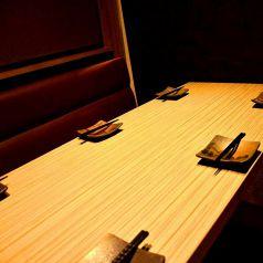 落ち着いたテーブル個室空間。6名まで。