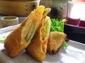 料理メニュー写真アボカドとチーズの春巻