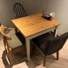 みんなでワイワイ、3名様テーブル