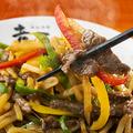 料理メニュー写真3色ピーマンの青椒肉絲