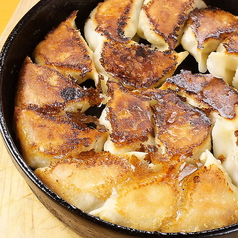 鉄なべ焼き餃子(一人前)8個