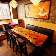 6名様用テーブル席。ご家族やご友人同士、女子会、ママ会に最適です。