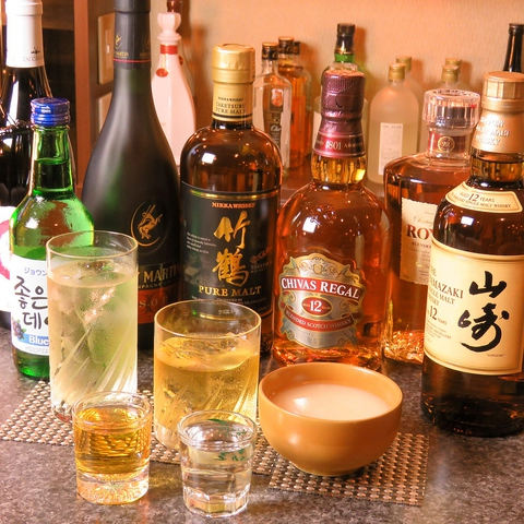 こだわりの韓国料理とお酒が愉しめる居酒屋。カウンターとテーブルでお楽しみ下さい。