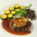 料理メニュー写真和牛肉とフォアグラのロッシーニ風