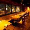 テーブル席は少人数~団体様までご利用頂けます。デートや女子会、記念日にもおすすめな夜景テーブル席も大人気◎!
