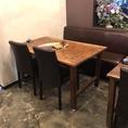 店内の各テーブルは、移動・連結可能ですので、お客様のご利用シーンや人数に合わせて、お席をご用意いたします。