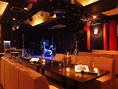 ライブステージではさまざまなパフォーマンスが出来るように、各種楽器を取り揃えています。