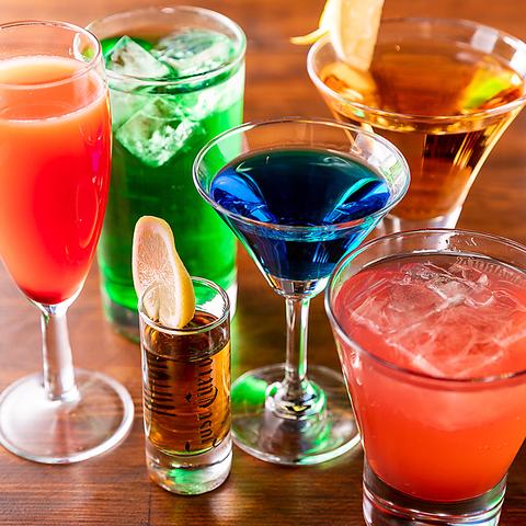 入店してすぐ目に入るのがズッシリ構えたオシャレなカウンター♪美味しいお酒はすべてここからお届け♪カウンターはお一人様からでも気軽に飲みに来ていただけるカジュアルスタイル☆話上手なバーテンダーとも会話が弾み気心知れた仲に♪