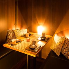 2名様に大人気のプライベート個室♪4名様までご案内可能です。デートや記念日、接待などにご利用いただける完全個室を完備。暖色系のライトに包まれながら、完全個室で周りを気にすることなく、二人きりの時間をお過ごしください♪お席だけのご予約や、当日のご予約も喜んで受け付けております♪川崎/デート/記念日/接待