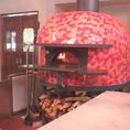 ナポリのピザ窯は名手フェラーラ一族製