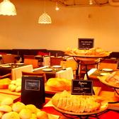 パンビュッフェにはフレンチトーストやくるみパンなど定番メニューからここでしか食べれない珍しいものも!