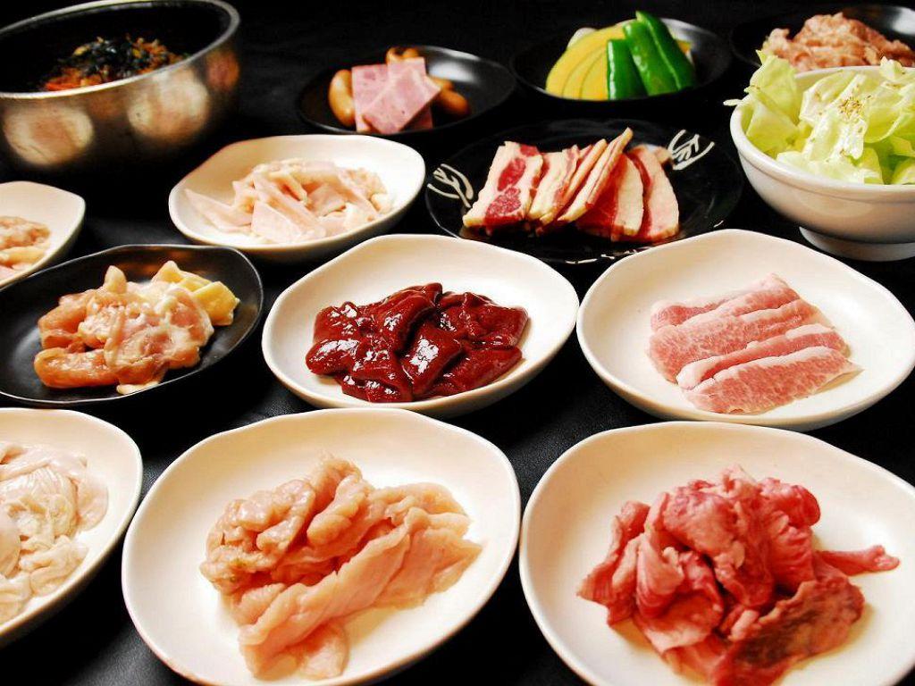 焼肉全59品食べ放題は石焼ビビンバや冷麺が人数分ついて1980円