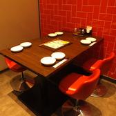 店内入ってすぐのお席はさっと食べたいランチタイムや、お仕事帰りのお食事にぴったり。渋谷駅近くなのでアクセスも◎