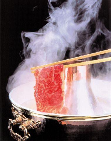 とろける食感。旨味。厳選した最高級霜降り黒毛和牛のしゃぶしゃぶ&すき焼専門店