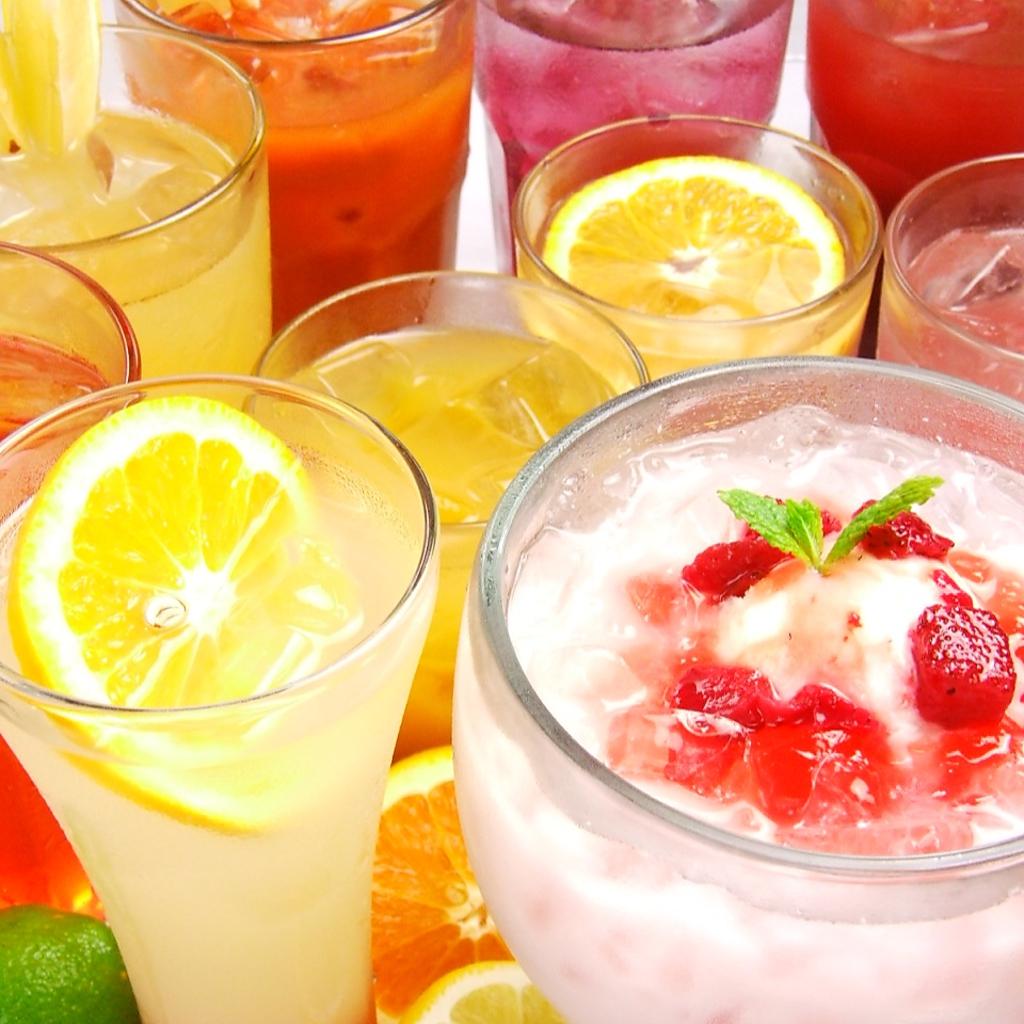 飲み放題メニューはカクテル、サワーなど種類豊富にご用意しております。