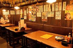 テレビも見れるテーブル席も人気です☆美味しい料理を落ち着いた雰囲気で楽しめます。