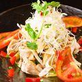料理メニュー写真バンジーサラダ/カリカリポテトサラダ/豚肉の冷製胡麻風味