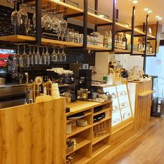 Low Cafe 白石ガーデンプレイス店の雰囲気1