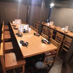 テーブル席4名×12解放感のある広々席です♪【歓送迎会/宴会/貸切/TV/コンパ/】
