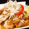 料理メニュー写真鶏肉の特製唐揚げ/油淋鶏/鶏軟骨の香味揚げ/ホイコーロ